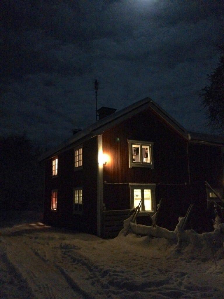 Ibland kanske jag överdriver belysningen hemma.