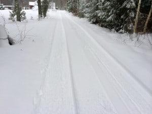 Fina breda körbanor av packad snö. och än så länge bara måttliga skrapmärken i mittsträngen.