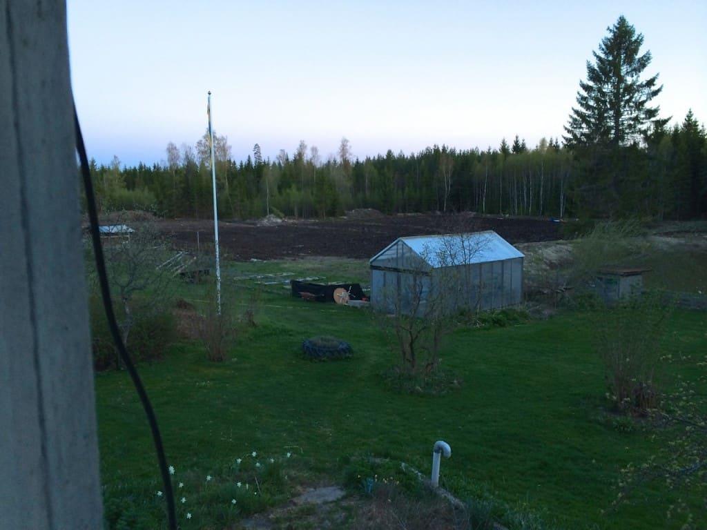 Så var nästa steg avklarat, men kan se var täckdikena går eftersom det blir lite ljusare fält på marken där.