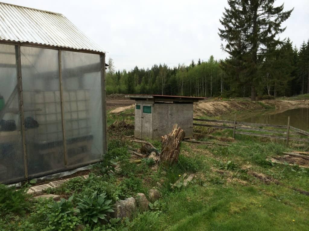 Skjulet har fått ett nytt hem, fortfarande tillgängligt från krocketplanen, men mindre iögonenfallande.