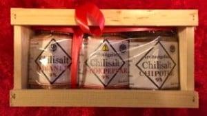 Chilisaltet var från början ett sätt att ta hand om min stora chiliskörd. Och burkarna blev väldigt populära i julhandeln. Nu ska jag försöka få in dem hos utvalda ICA-butiker.