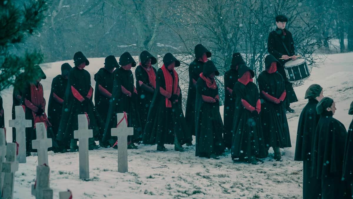 Andra säsongen av The Handmaids tale rullar nu på HBO Nordic. Orkar du med hopplösheten är detta något du bör se. Bild: HBO/Take Five/Hulu