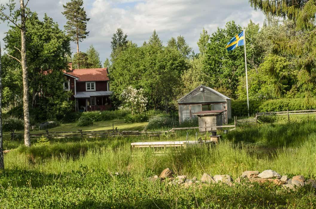 Här borde jag ha haft en bild på Mandelmanns gård – men TV4 lämnar bara ut bilder till tidningar och magasin – så får ni nöja er med en bild på min gård.