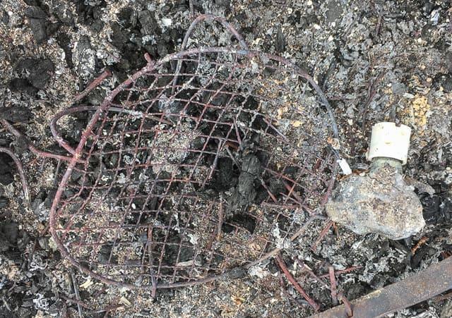 Ni som har djur kanske känner igen resterna av det här vanligt förekommande föremålet.