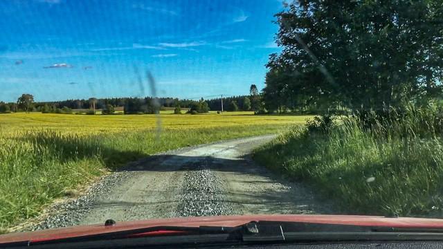 Här kommer starten för Midnattssolrallyt att går på den delsträcka som går genom vårt Lundbyskog.